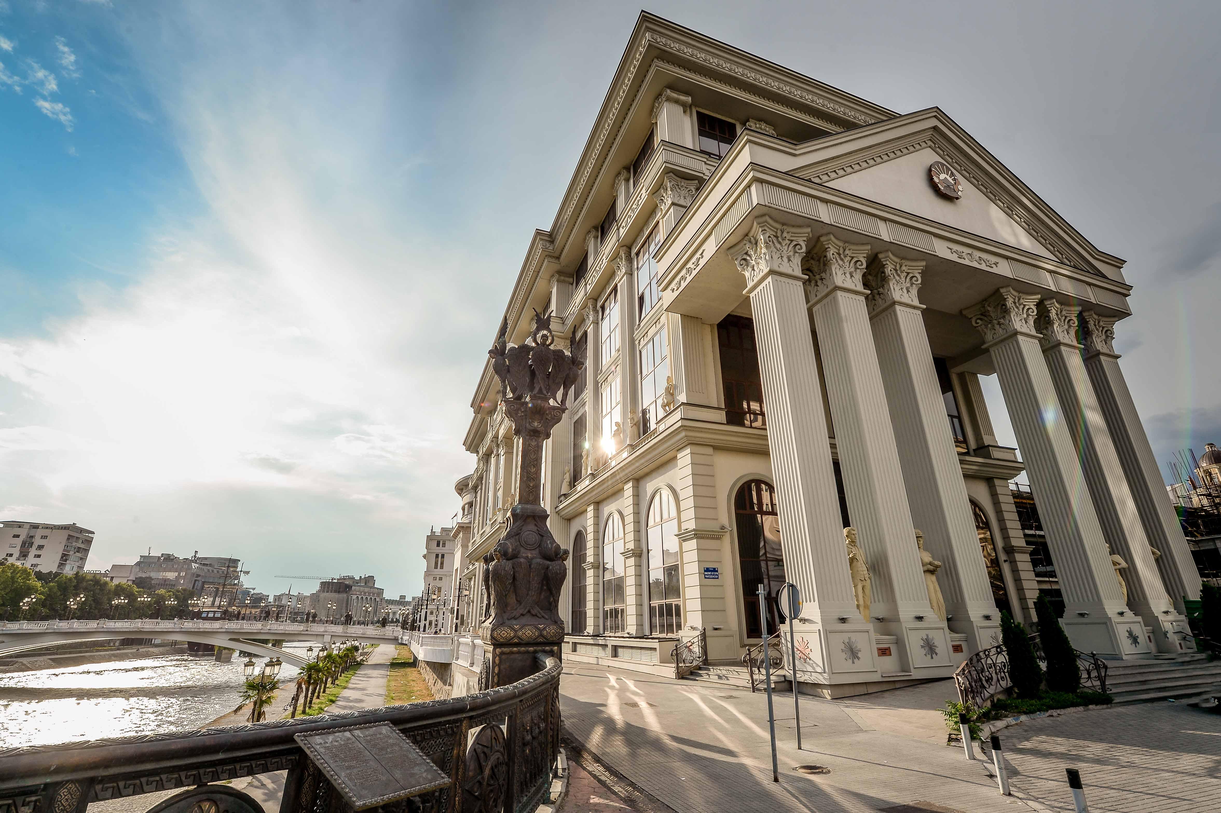 МНР апелира да не се патува во Северна Италија