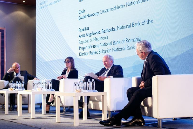 Ангеловска-Бежоска: Долгорочен економски раст преку здрави структурни политики