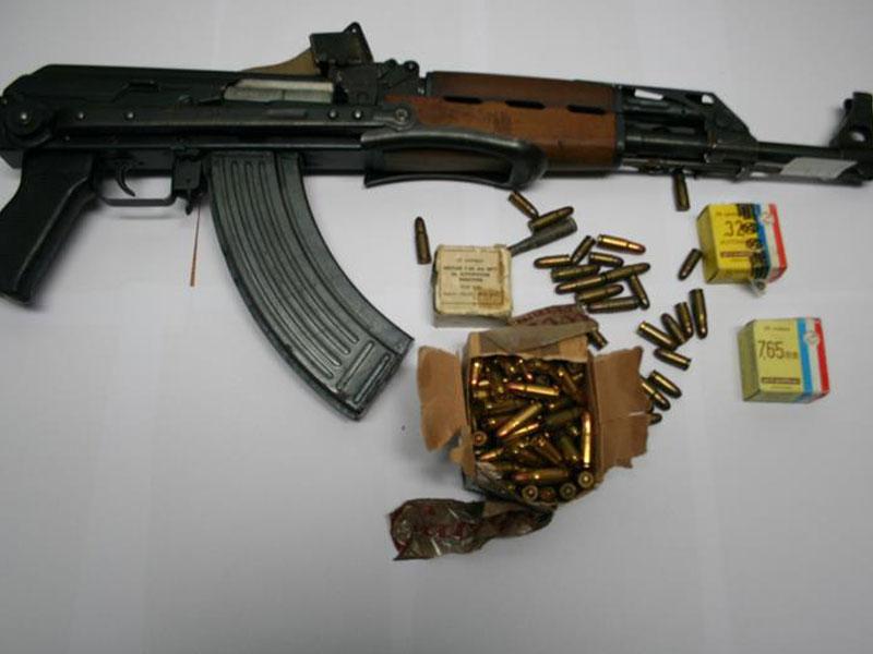 Приведен тетовец, прoнајдено оружје кај него