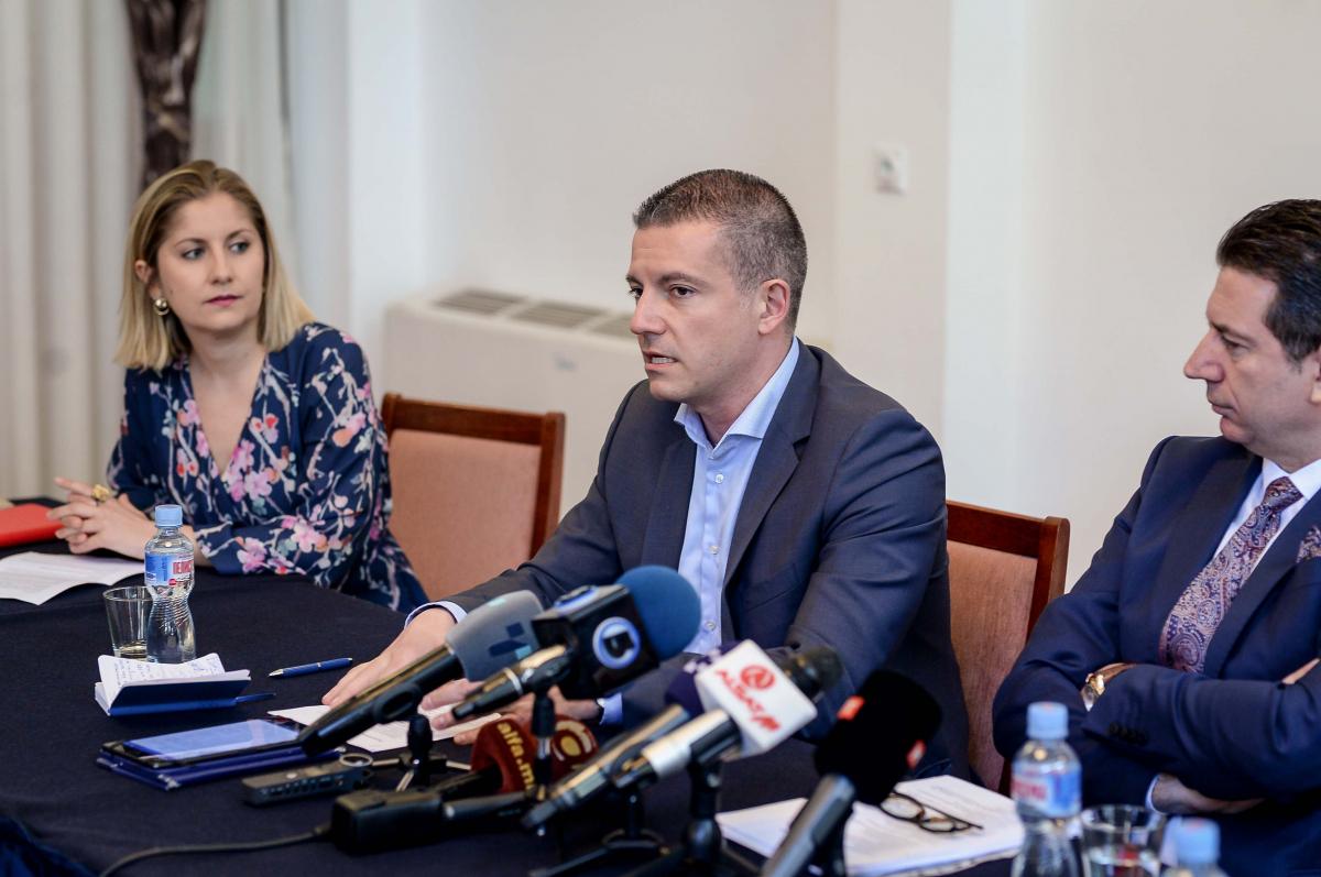 Јавна расправа за Законот за висока раководна служба Манчевски