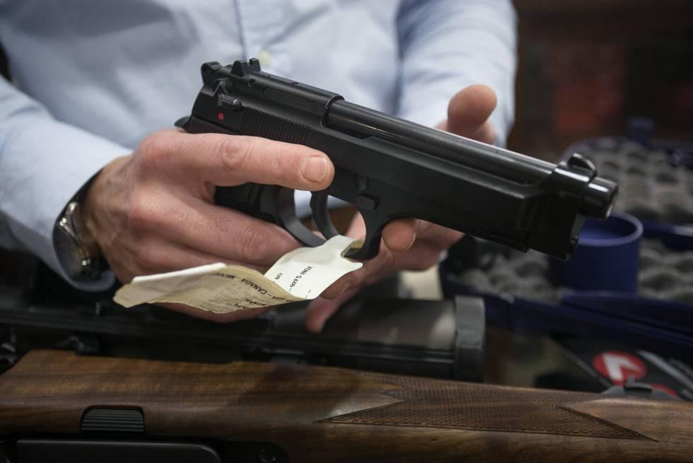 Наредена истрага против скопјанец кој во домот чувал оружје