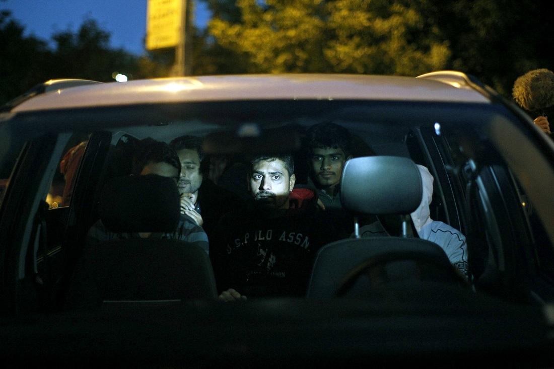 Во товарно возило откриени 45 мигранти