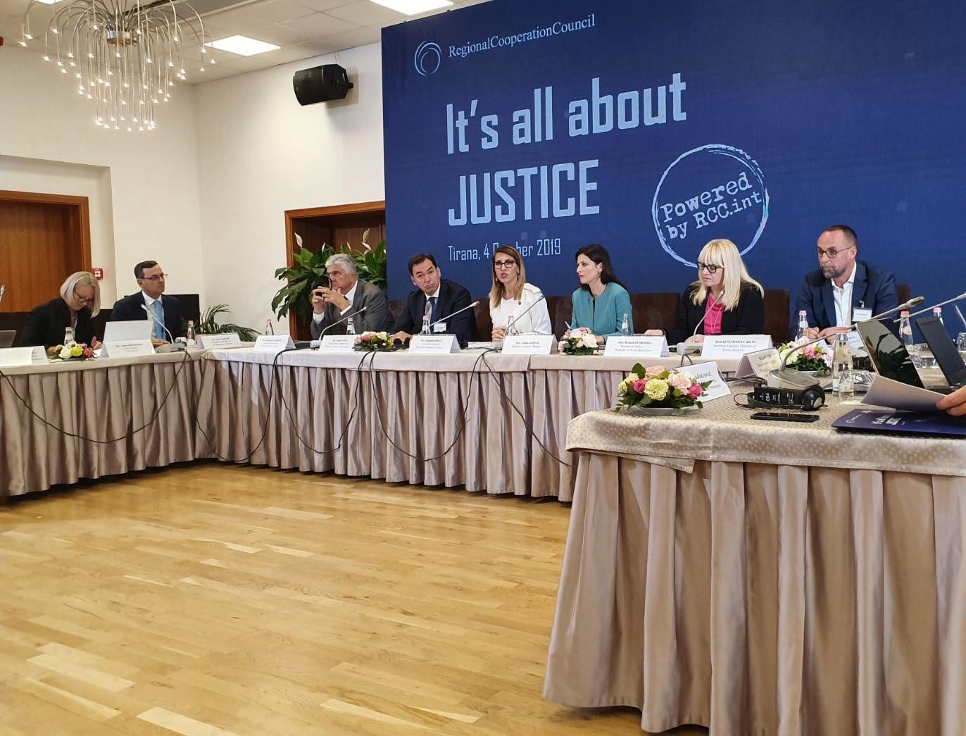 Дескоска на форум во Тирана ги презентира реформите спроведени во правосудството