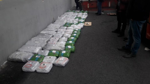 Откриени 100 килограми марихуана во камион (Фото+Видео)