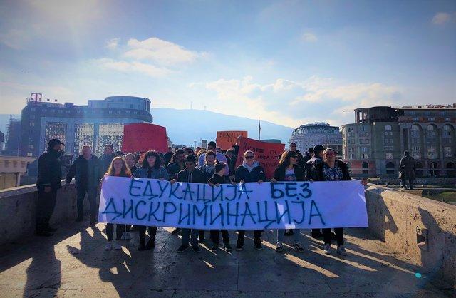 Крај на дискриминацијата и омразата во образовниот процес, се дел од пораките упатени на денешниот марш