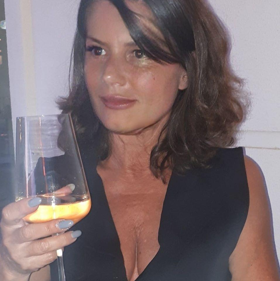 Македонска актерка одведена во Кривичен, учествувала во шверц на кокаин
