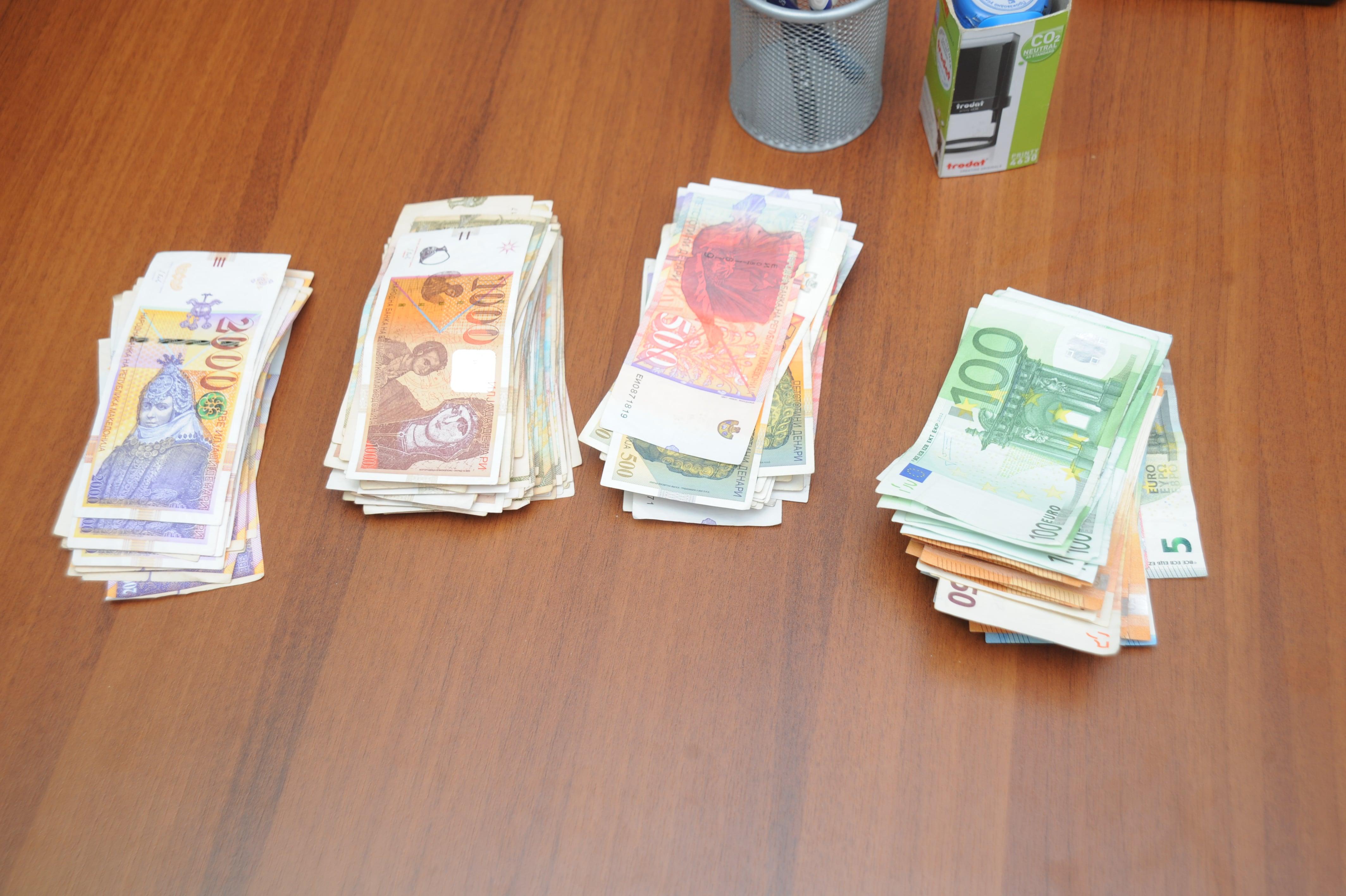 Ресенчани среде бел ден фатени со кокаин и голeма сума на пари