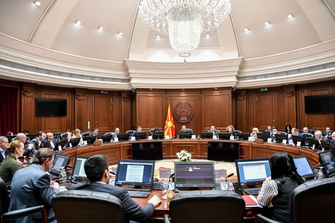 Премиерот Спасовски и министрите кои беа избрани за пратеници ќе ја земаат единствено платата за нивниот ангажман во Владата