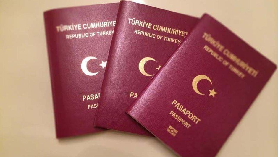 Турски државјанин со фалсификуван пасош сакал да си го регулира престојот во нашата држава