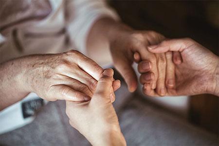 Внук извршил обљуба врз неговата 72-годишна баба